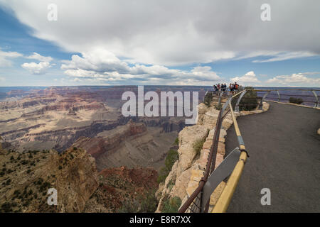 People viewing the Grand Canyon. Grand Canyon National Park, Arizona, USA - Stock Photo