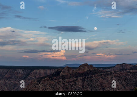 Full moon over the Grand Canyon. USA, California - Stock Photo