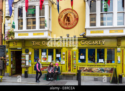 The Oliver St John Gogarty pub on Temple Bar in the city centre, Dublin City, Republic of Ireland - Stock Photo