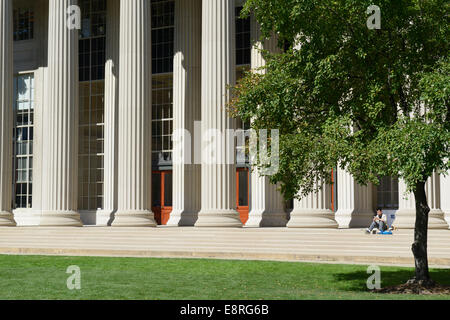 Front entrance and steps, Building 10, MIT (Massachusetts Institute of Technology) - Stock Photo
