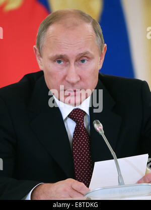 Moscow, Russia. 14th Oct, 2014. Russian president Vladimir Putin addresses a meeting of the Council for Promotion - Stock Photo