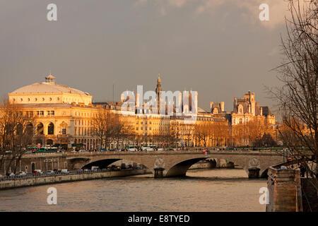 The Pont au Change bridge over the Seine River in Paris at sunset - Stock Photo