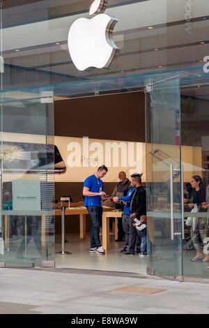 The Apple computer store in Adelaide Australia - Stock Photo