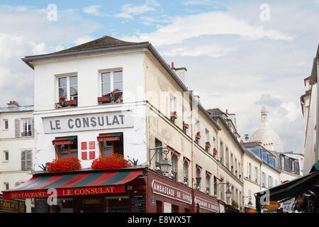 France paris restaurant le consulat montmartre under snow for Restaurant le miroir montmartre