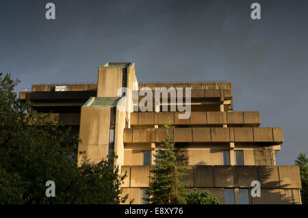 Former Bradford and Bingley Building Society headquarters built in 70's in brutalist style of architecture - Bingley, - Stock Photo