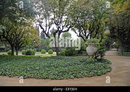 Palau reial de pedralbes barcelona museu de les arts - Jardins del palau ...