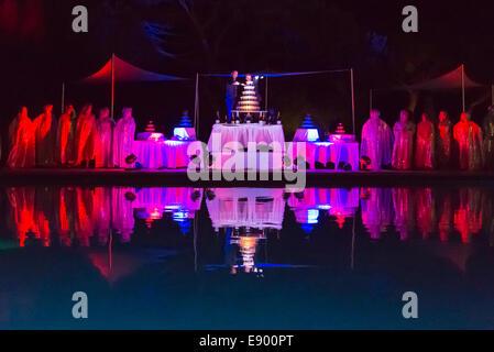 Portugal Algarve Albufeira Da Balaia Club Med Méditerranée champagne Cava fountain evening pool show party fun Chef - Stock Photo