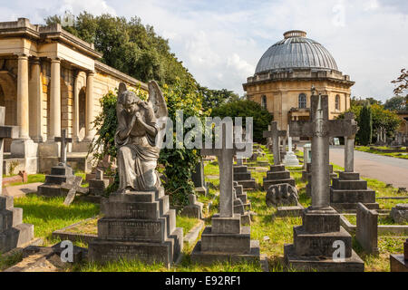 Anglican Chapel and Colonnade, Brompton Cemetery, London - Stock Photo