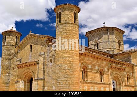 Spain, St. James Way: External view of the Romanesque church Saint Martin in Fromista - Stock Photo