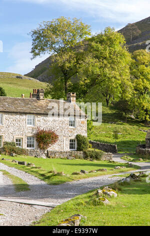 Stone farm cottages in the dales village of Conistone near Grassington, Upper Wharfedale, North Yorkshire, England, UK