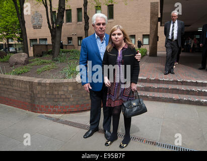 Publicist Max Clifford leaves Southwark Crown Court on the day when a verdict is possible in his trial. He is charged - Stock Photo