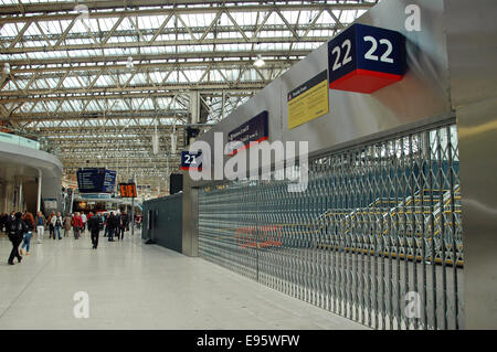 London, UK. 20th Oct, 2014. Platforms 21 & 22 at the old Eurostar Terminal at Waterloo station look ready to open. - Stock Photo