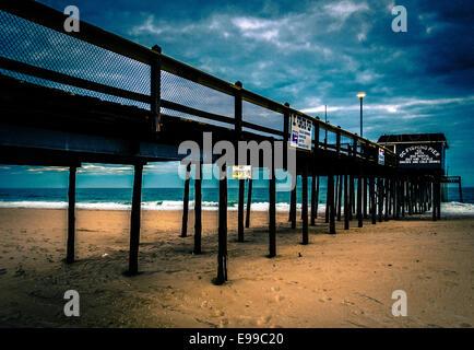 Atlantic ocean ocean city maryland beach sunrise stock for Ocean city md fishing pier