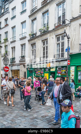 street scene, rue de rosiers, marais district, hosting one of the jewish communities of paris, marais district - Stock Photo