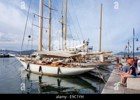 Sailing yachts in the vieux port / old harbour of  Saint-Tropez along the French Riviera, Provence-Alpes-Côte d'Azur, - Stock Photo