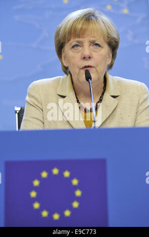 Brussels, Belgium. 24th Oct, 2014. German Chancellor Angela Merkel gives a press conference at the end of EU Summit at EU council headquaters in Brussels, Belgium, Oct.24, 2014. Credit:  Ye Pingfan/Xinhua/Alamy Live News