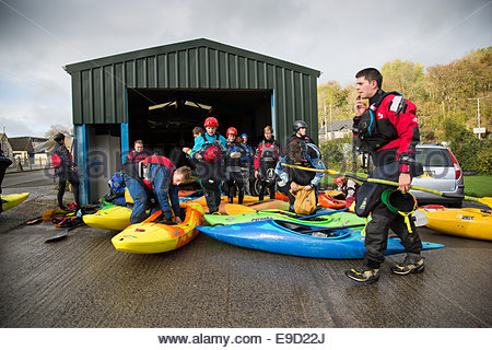 Llandysul, Wales, UK. 25th Oct, 2014. Hundreds of paddlers gather at Llandysul to enjoy the annual two day Teifi - Stock Photo