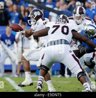 Oct. 25, 2014 - Lexington, Ky, US - Mississippi State's Dak Prescott (15) fumbled the ball in the third quarter - Stock Photo