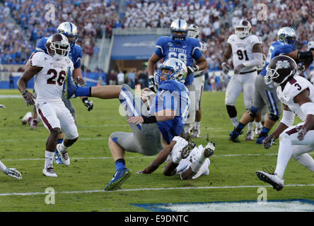 Oct. 25, 2014 - Lexington, Ky, US - Kentucky's Patrick Towles (14) tumbled into the end zone for a touchdown in - Stock Photo