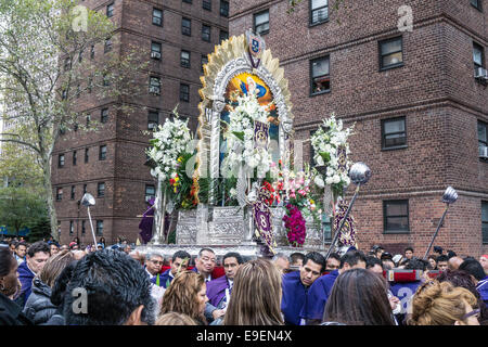 New York City, USA: Peruvian Americans honor El Senor de los Milagros (Lord of the Miracles) with a procession on - Stock Photo