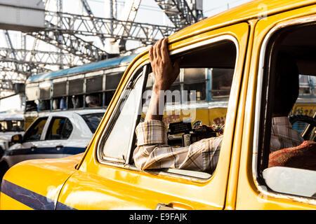 Traffic jam in Howrah Bridge, Kolkata, West Bengal, India - Stock Photo