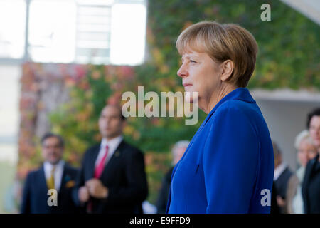 Berlin, Germany. 27th Oct, 2014. Angela Merkel, German chancellor, welcomes the President of the Republic of Chile, - Stock Photo