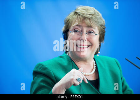 Berlin, Germany. 27th Oct, 2014. President of the Republic of Chile, Michelle Bachelet, at a press conference at - Stock Photo