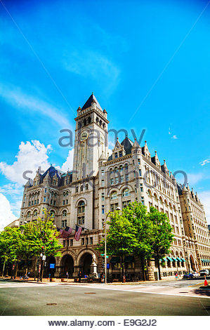 Old Post Office pavilion with tourists - Stock Photo