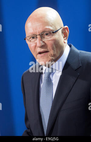 Berlin, Germany. 27th Oct, 2014. Lebanese Prime Minister Tammam Salam gives a short statement at the chancellery - Stock Photo