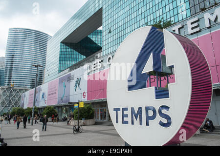centre commercial les quatre temps la defense paris france stock photo royalty free image. Black Bedroom Furniture Sets. Home Design Ideas