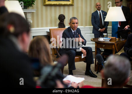 Washington, DC, USA. 22nd Oct, 2014. US President Barack Obama speaks to the media after holding a meeting with - Stock Photo