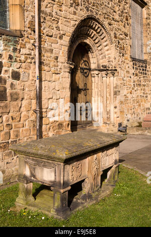 UK, County Durham, Barnard Castle, St Mary's Churchyard, George Hopper's Table Tomb by south door - Stock Photo