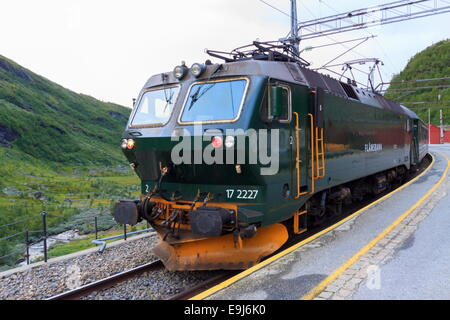 Class EL 17 sits at Myrdal Station ready to return to Flåm along the Flåmsbana - Stock Photo
