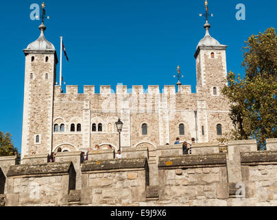 The White Tower at the Tower of London, where the Princes in the Tower may have been murdered by Richard III - Stock Photo