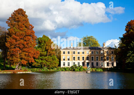 Museum No.1 building in the Royal Botanic Gardens in London - Stock Photo