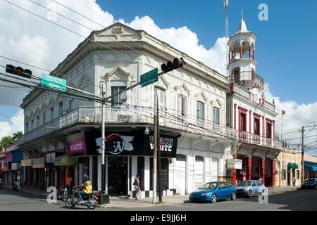 Dominikanische Republik, Osten, San Pedro de Macoris, Calle Duarte, Turm des Feuerwehrhauses