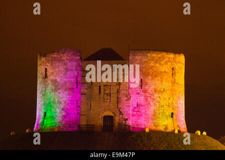 York, UK. 29th October, 2014.   Clifford's Tower_ Illuminating York. The festival draws more than 50,000 people - Stock Photo