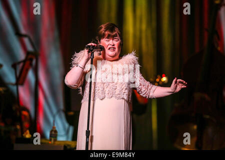 Durham, North Carolina, USA. 29th Oct, 2014. Music Artist SUSAN BOYLE brings her 2014 Tour to the Durham Performing - Stock Photo
