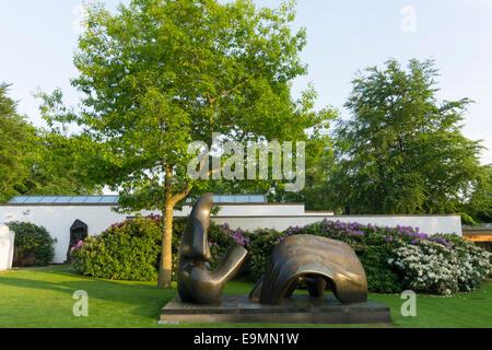 Louisiana Museum of  Modern Art, Humlebæk, Denmark, park with sculptures, Henry Moore - Stock Photo