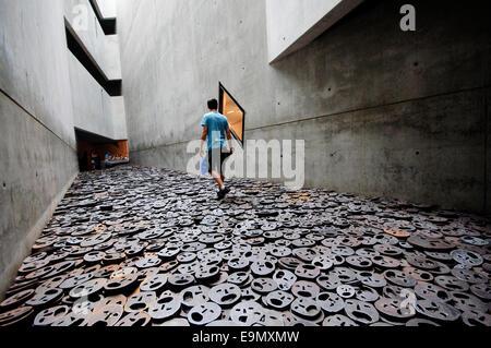 Germany, Berlin, Jewish Museum,  Daniel Libeskind, Memory Void Room, Installation, Shalechet Fallen Leaves by Menashe - Stock Photo