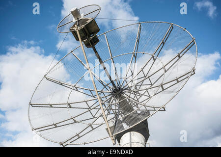 radioheliograph parabolic antenna listening to the stars signals - Stock Photo