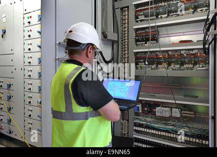 A Building Services Engineer Monitors The Electrical. Cleaning Services Plano The Borgata Las Vegas. Connections Health Wellness Advocacy. How To Build An Html Email Pegasus Cc Ucf Edu. Business Relocation Services