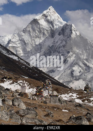 Mount Ama Dablam and memorial cairn to expedition leader Scott Fischer, who died in the 1996 Everest disaster, Everest - Stock Photo