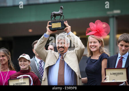 Arcadia, CA, USA. 31st Oct, 2014. October 31, 2014: Uptapable and Roise Napravnik win the Breeders' Cup Distaff - Stock Photo