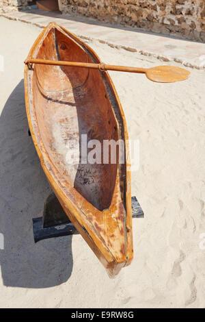 Al Hourey A Small Boat Carved From A Single Trunk In The Courtyard Of The Dubai Museum Al Fahidi Street Bur Dubai - Stock Photo