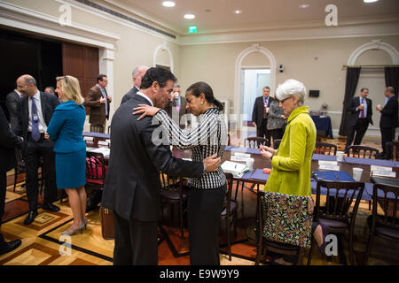 Susan Rice greets Yossi Cohen, National Security Advisor to Prime Minister Benjamin Netanyahu of Israel, prior to - Stock Photo