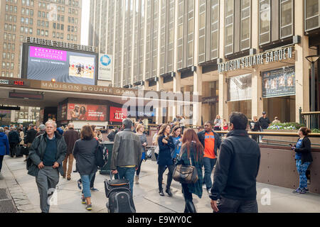The Entrance To Pennsylvania Station And Madison Square Garden In New Stock Photo Royalty Free
