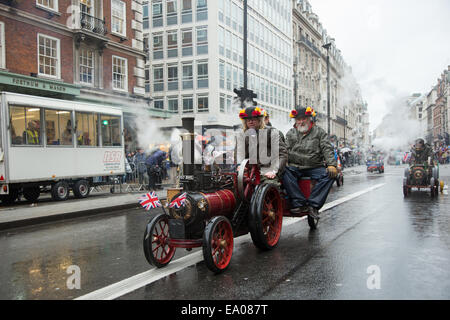 London, UK, 1st January 2014.  This year's New Year's Day Parade was themed 'London back to the 'swinging 60s'' - Stock Photo