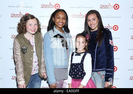 New York, NY, USA. 4th Nov, 2014. Zoe Margaret Colletti, Eden Duncan-Smith, Nicolette Pierini and Amanda Troya at - Stock Photo