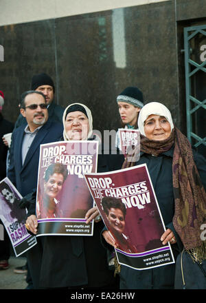 Detroit,  Michigan, USA. 5th November, 2014. Supporters of Palestinian-American activist Rasmea Odeh hold a vigil - Stock Photo
